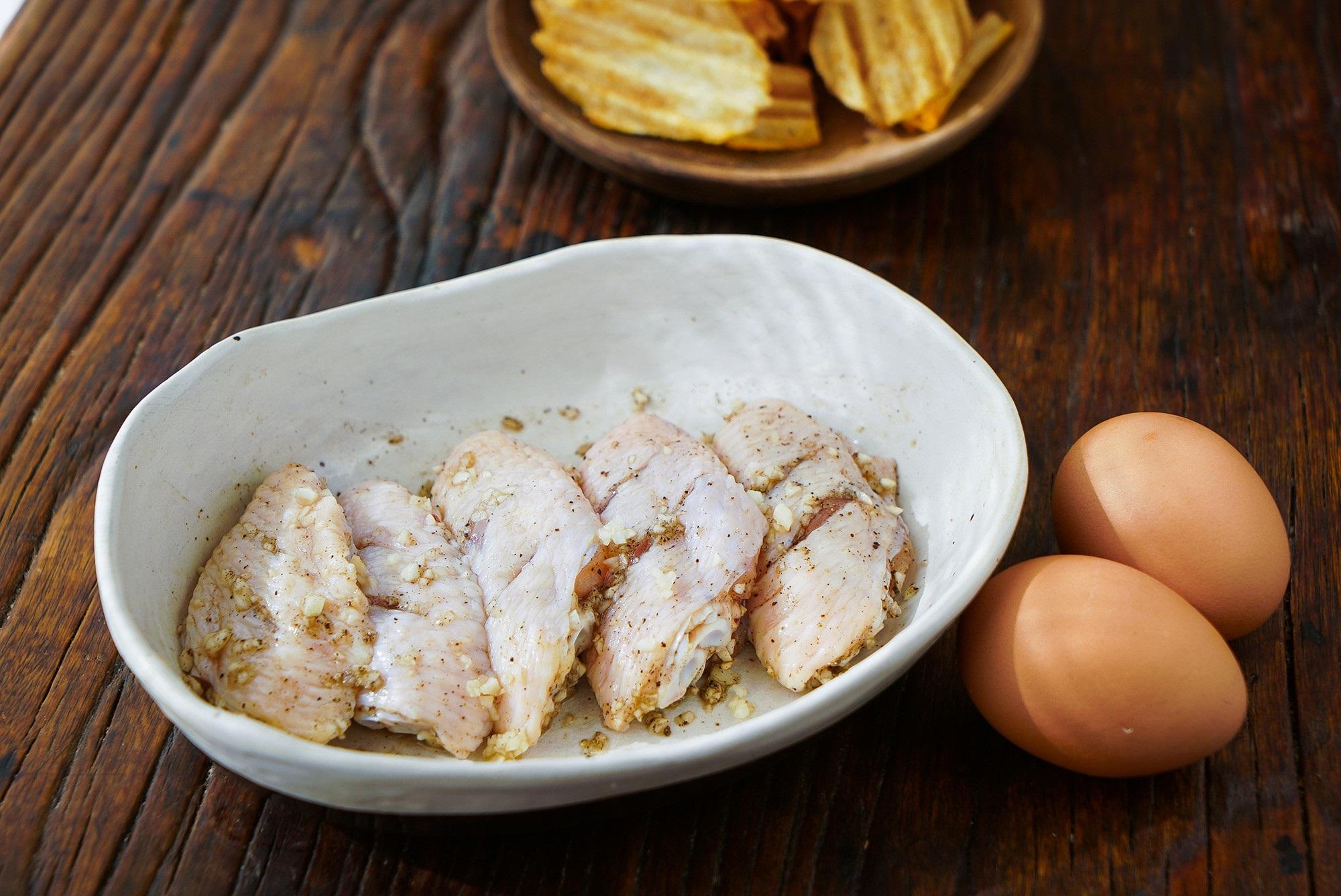 Làm món cánh gà nướng giòn tan vàng ruộm này đảm bảo cả nhà sẽ mê mẩn - Ảnh 2