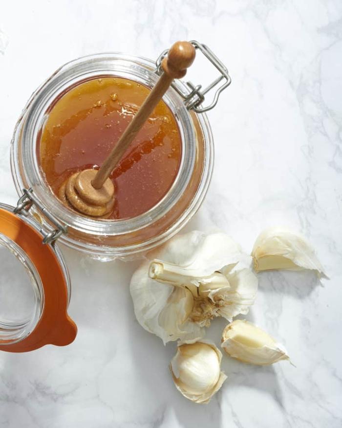 Lấy vài lát tỏi ngâm với mật ong rồi dùng theo cách này, bao nhiêu bệnh tật đều tiêu tan - Ảnh 2