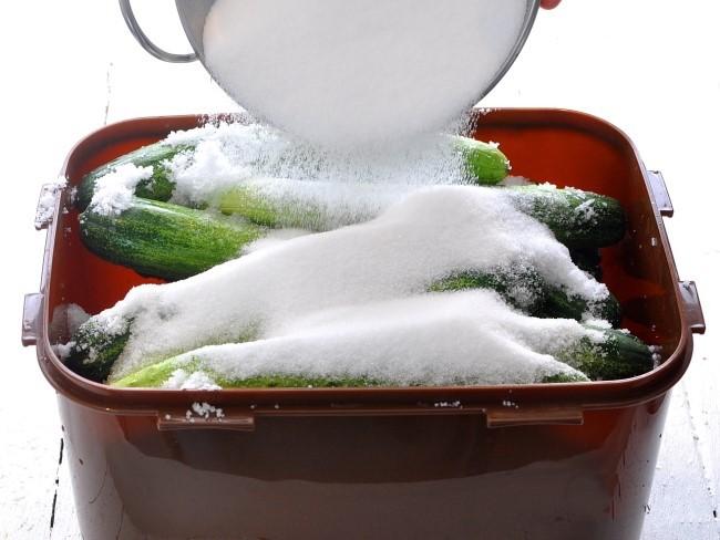 Học người Hàn làm món dưa chuột muối chua ngọt chuẩn ngon nhức nhối - Ảnh 4