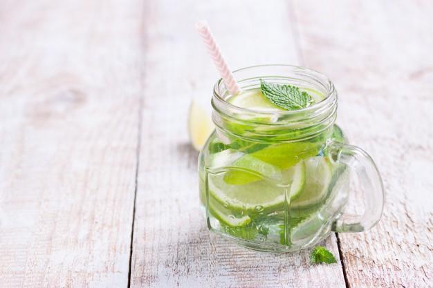 Uống nước để thải độc, giảm cân: BS khuyến cáo rất nguy hiểm, hiệu quả chỉ là ngộ nhận - Ảnh 1