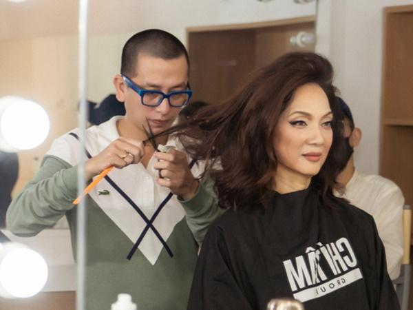 NSND Lê Khanh hi sinh mái tóc dài suốt 20 năm để đóng 'Gái Già Lắm Chiêu' - Ảnh 1