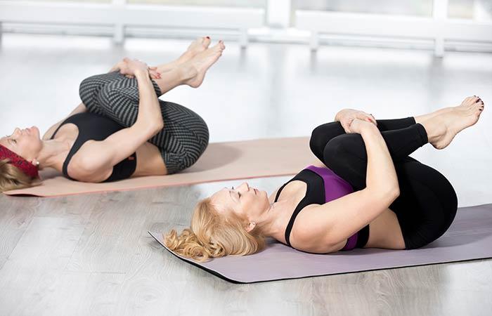 Động tác yoga kích thích đào thải độc tố, thanh lọc cơ thể giúp làn da khỏe đẹp, trẻ hóa từ bên trong - Ảnh 5