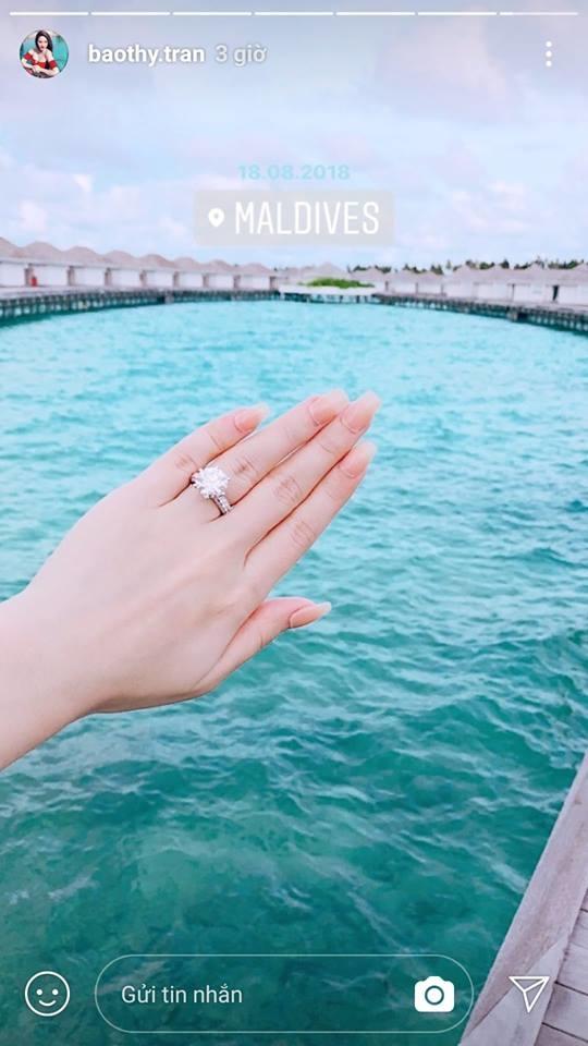 Khoe nhẫn kim cương khi đi du lịch ở Maldives, Bảo Thy khiến dân mạng xôn xao với nghi án vừa được cầu hôn - Ảnh 2