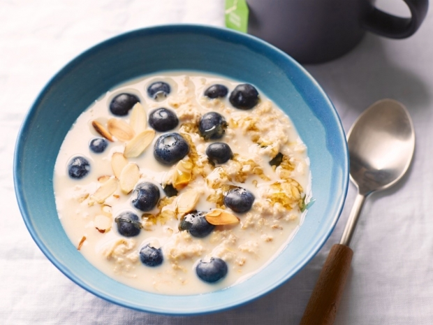 Muốn giảm cân nhẹ nhàng, không kiêng khem cực khổ, hãy ăn 7 thực phẩm này vào bữa sáng - Ảnh 1