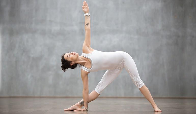 Ngay từ tối nay tập ngay 8 tư thế yoga này để sở hữu bụng phẳng, eo thon săn chắc - Ảnh 3