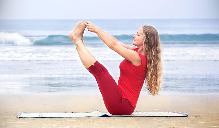 Ngay từ tối nay tập ngay 8 tư thế yoga này để sở hữu bụng phẳng, eo thon săn chắc - Ảnh 5