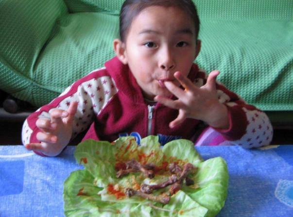 Bé 9 tuổi vĩnh viễn không thể cao thêm vì những món mẹ Việt hay cho con ăn hàng ngày - Ảnh 1