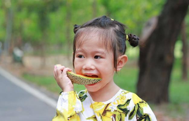Bé 9 tuổi vĩnh viễn không thể cao thêm vì những món mẹ Việt hay cho con ăn hàng ngày - Ảnh 4
