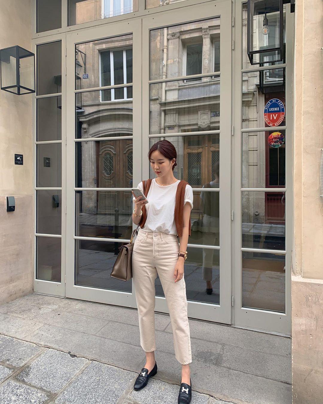 Street style Châu Á: Chẳng cầu kỳ, chỉ với vài ba món đồ công sở đơn giản mà vẫn mãn nhãn người nhìn - Ảnh 7