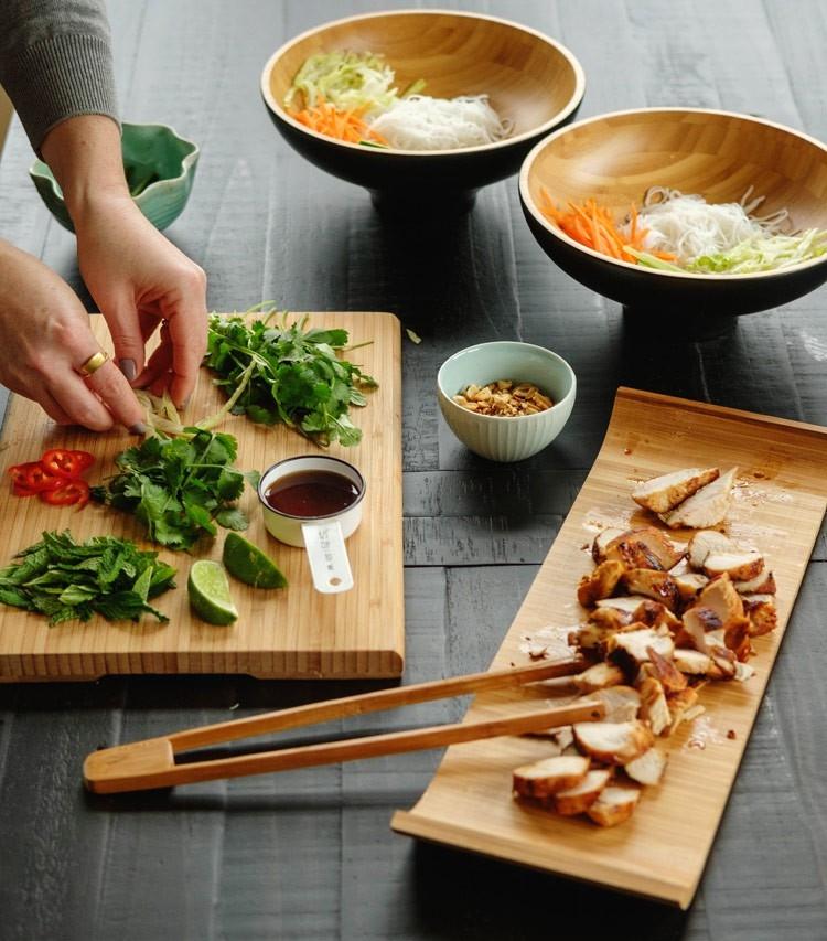 Cách làm miến trộn gà ngon hơn nhà hàng cho bữa cơm ngày mưa thêm hấp dẫn - Ảnh 2