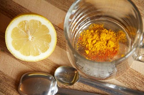 Cho 1 thìa bột nghệ vào ly nước chanh ấm uống mỗi ngày, cơ thể nhận lấy loạt tác dụng không ngờ - Ảnh 4