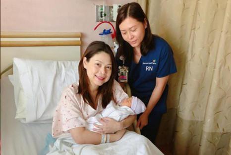 Biết nguy hiểm, Thanh Thảo vẫn không thể kiềm chế mà làm điều này với con gái mới sinh - Ảnh 2
