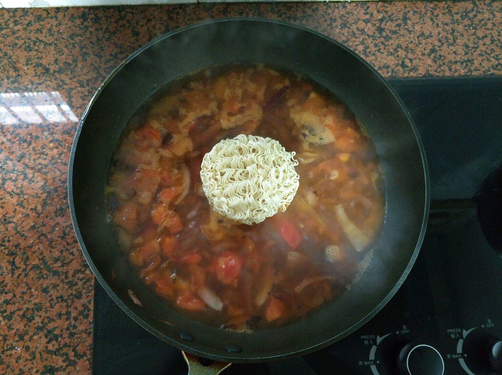 """Món mì tôm """"tầm thường"""" sẽ trở nên ngon """"đẳng cấp"""" sau khi bạn nấu theo cách này - Ảnh 5"""