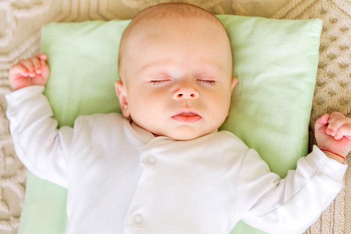 Những nguy hại khôn lường khi cho trẻ sơ sinh nằm gối mẹ nên biết để tránh ngay - Ảnh 3