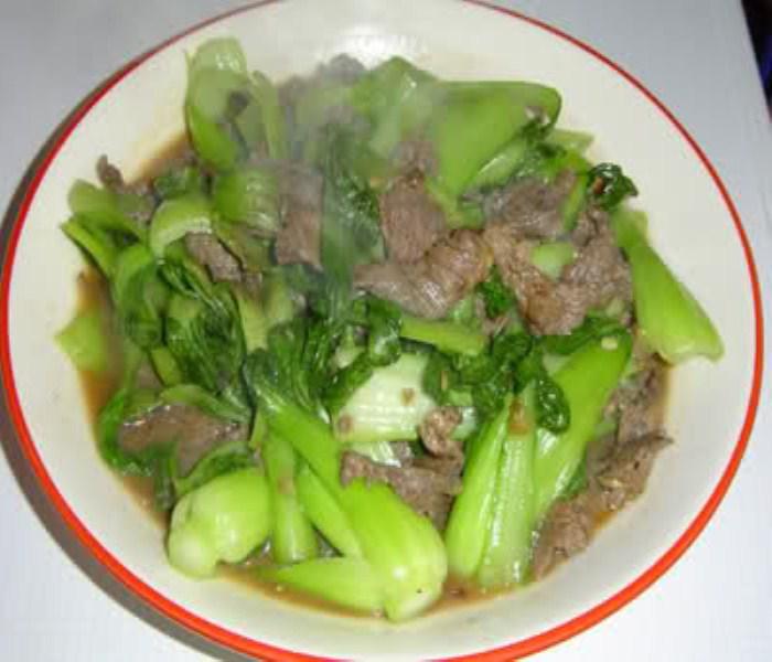 Rau bina xào thịt bò là món ăn tốt cho sức khỏe cả gia đình