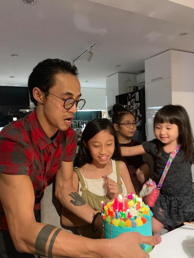 Phạm Anh Khoa hạnh phúc đón sinh nhật con gái cùng 'hội bạn thân' - Ảnh 2