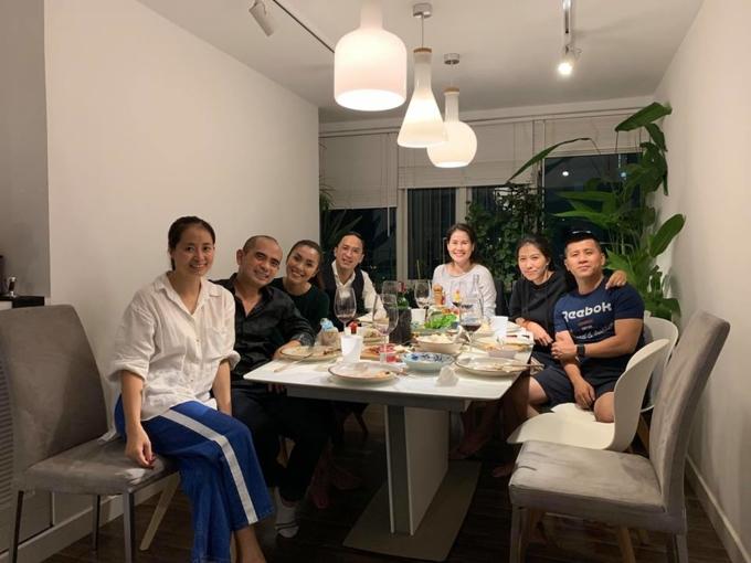 Phạm Anh Khoa hạnh phúc đón sinh nhật con gái cùng 'hội bạn thân' - Ảnh 5