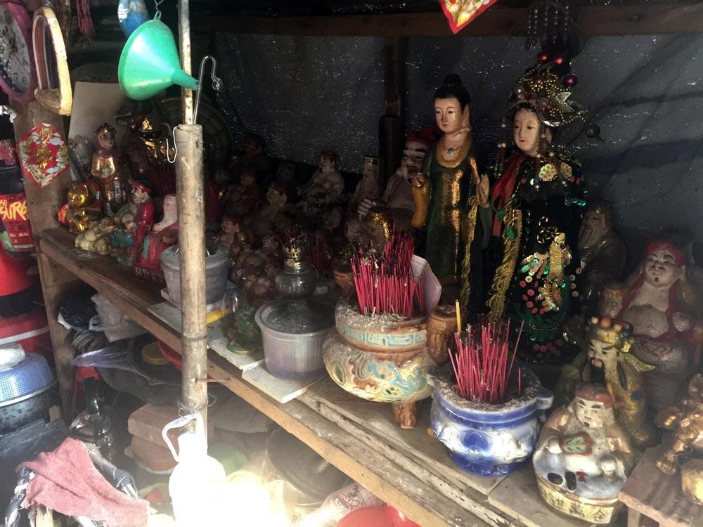 Người phụ nữ Sài Gòn một thời giàu có, 94 tuổi sống gầm cầu, bán vé số - Ảnh 5