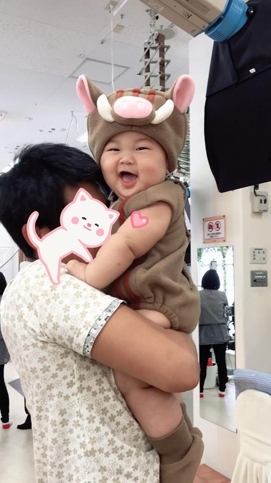 Muôn vàn tư thế ngủ của em bé 'sumo' khiến cư dân mạng không ngừng 'thả tim' - Ảnh 10