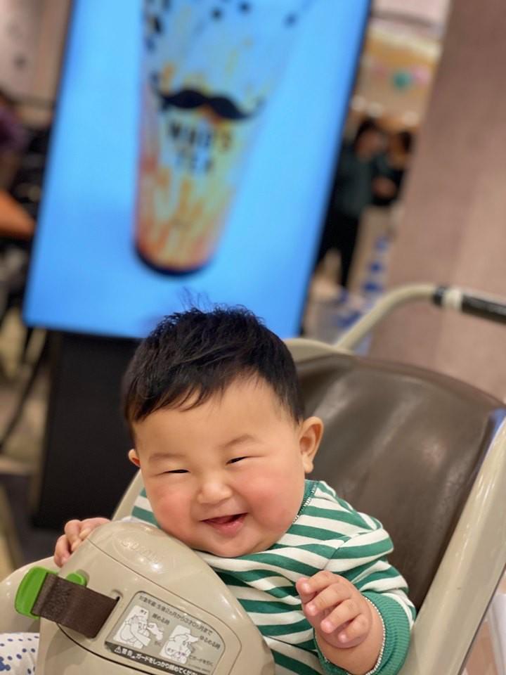 Muôn vàn tư thế ngủ của em bé 'sumo' khiến cư dân mạng không ngừng 'thả tim' - Ảnh 8