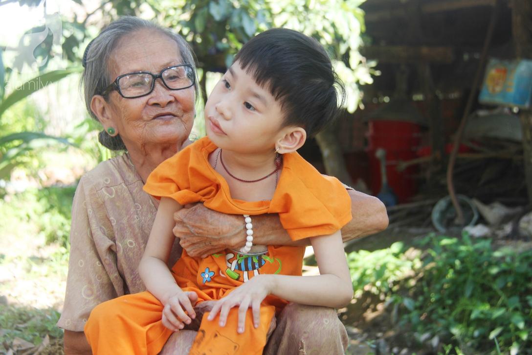 Bố bỏ từ khi chưa sinh ra, bé gái 5 tuổi bại não sống cùng người mẹ tật nguyền cầu xin một lần được chữa bệnh - Ảnh 10