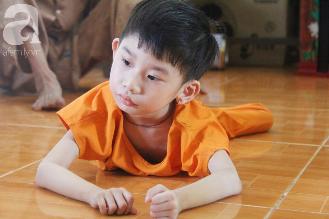 Bố bỏ từ khi chưa sinh ra, bé gái 5 tuổi bại não sống cùng người mẹ tật nguyền cầu xin một lần được chữa bệnh - Ảnh 7