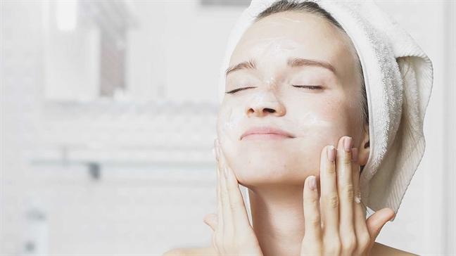 Hướng dẫn rửa mặt đúng cách với quy trình 6 bước - Ảnh 4