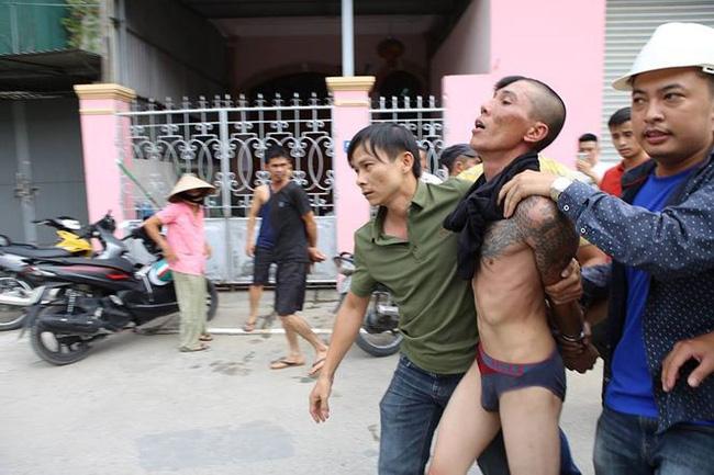 Tình hình hiện tại của bé trai bị bố ruột ném từ mái nhà xuống ở Nghệ An - Ảnh 2