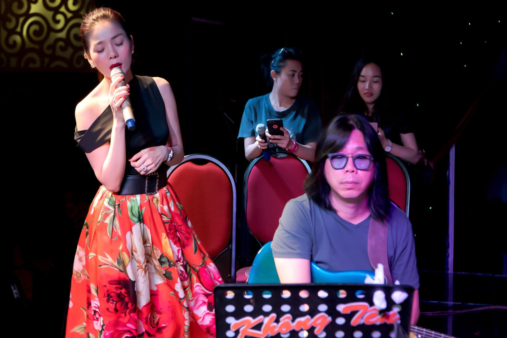 Lệ Quyên nghỉ hát hai tháng để toàn tâm toàn lực cho liveshow kỉ niệm 20 năm ca hát - Ảnh 1