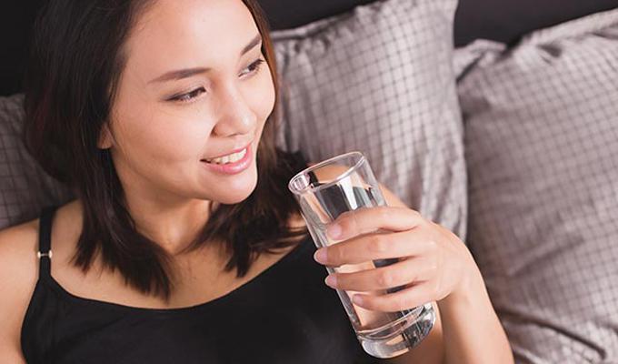 7 thói quen ăn uống gây lão hóa da sớm - Ảnh 4