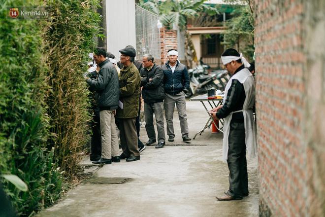Tang thương bao trùm làng quê nơi 8 người tử vong dưới bánh xe tải, nhiều nhà chỉ cách nhau vài chục mét - Ảnh 7