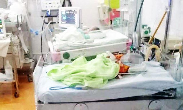 Xót lòng tiếng khóc đòi sữa của bé trai sơ sinh nặng 1,2kg bị người thân nhẫn tâm bỏ rơi giữa trời giá lạnh - Ảnh 2