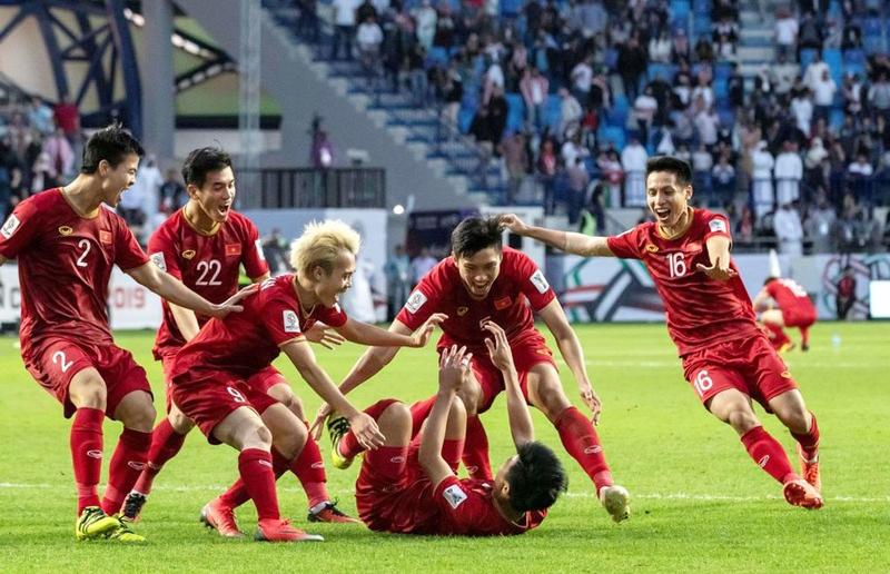 Chiến Thắng khiến fan phấn khích tột độ khi làm thơ cổ vũ đội tuyển Việt Nam trước trận gặp Nhật Bản - Ảnh 1