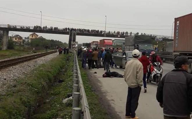 Tai nạn kinh hoàng ở Hải Dương: Xe tải đâm đoàn người đi viếng nghĩa trang, 8 người tử vong - Ảnh 2