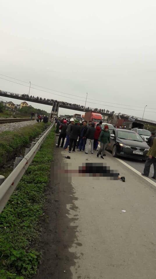 Tai nạn kinh hoàng ở Hải Dương: Xe tải đâm đoàn người đi viếng nghĩa trang, 8 người tử vong - Ảnh 3