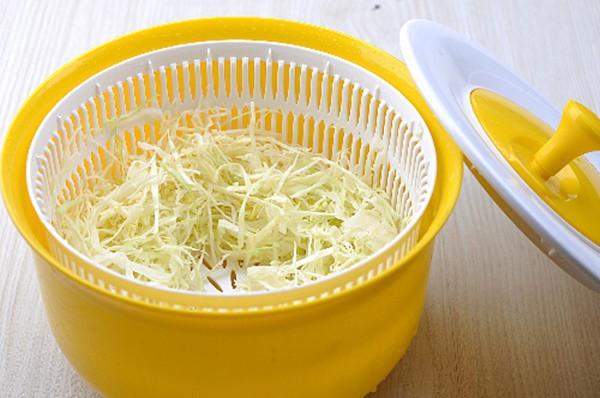 Salad bắp cải mà làm theo cách này vừa giòn ngọt lại thơm mát - Ảnh 1