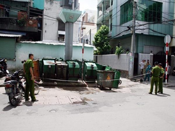 Nhóm đối tượng lạ mặt truy sát thiếu niên 16 tuổi trước quán bún đậu mắm tôm ở Sài Gòn - Ảnh 1