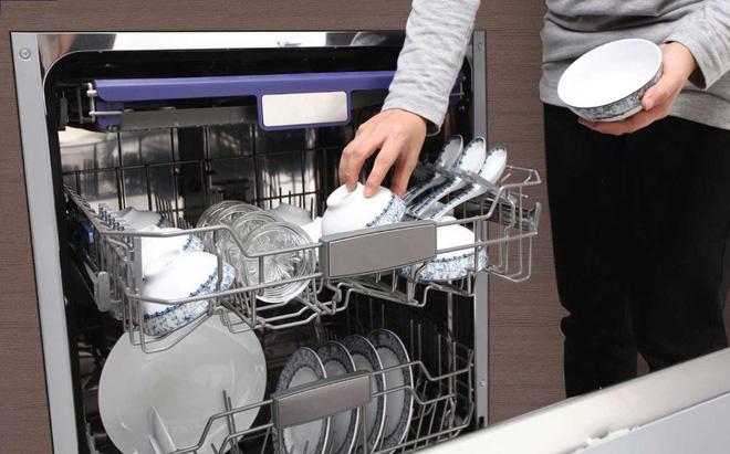 Sai lầm khi rửa bát chỉ làm gia tăng thêm vi khuẩn mà bạn không hề hay biết - Ảnh 4
