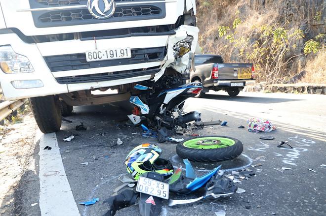 Tin mới nhất về phượt thủ gặp nạn trên đèo Bảo Lộc, cả người lẫn xe dính dưới bánh xe tải - Ảnh 5