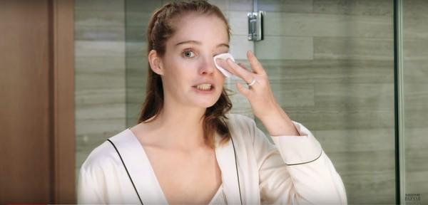 Thiên thần Alexina Graham chia sẻ bí quyết dưỡng da để mãi mãi như tuổi 18 - Ảnh 3