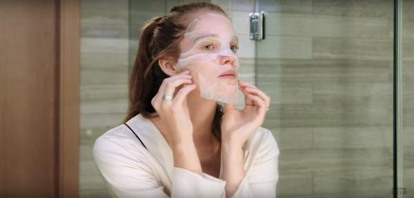 Thiên thần Alexina Graham chia sẻ bí quyết dưỡng da để mãi mãi như tuổi 18 - Ảnh 6