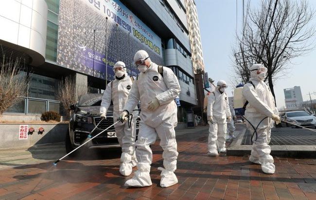 Nóng: 544 tín đồ từng đến nhà thờ ở Daegu (Hàn Quốc) có triệu chứng nhiễm virus corona, đang được theo dõi sát sao - Ảnh 1