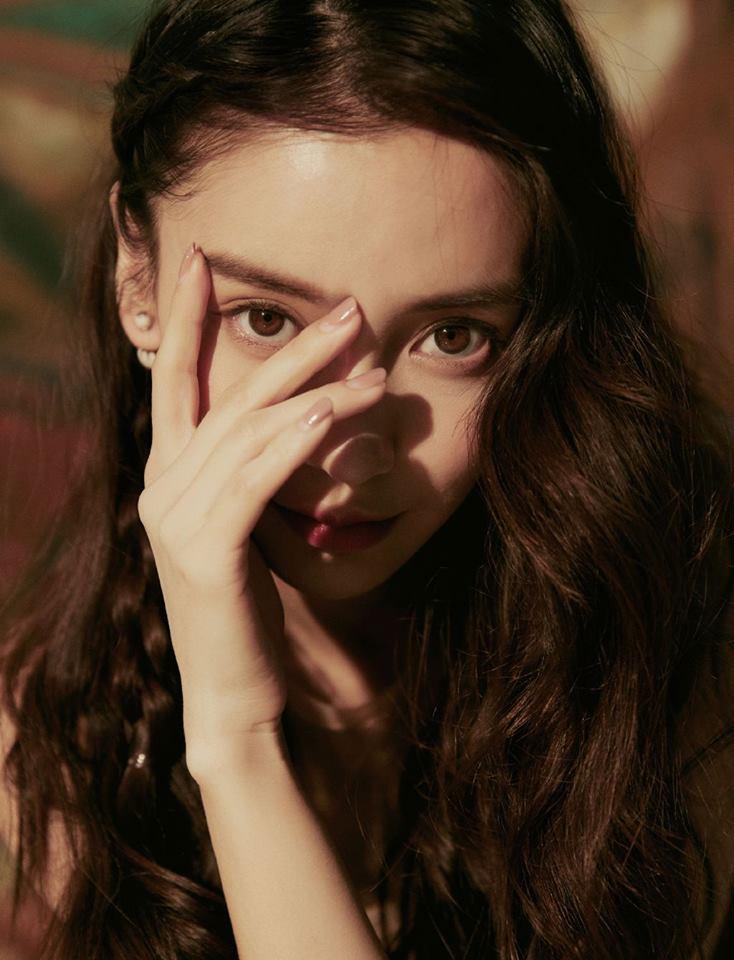 Không còn hình ảnh phì phèo thuốc lá, Angela Baby xuất hiện với vẻ đẹp như 'tiên nữ hạ phàm' tại sự kiện - Ảnh 3