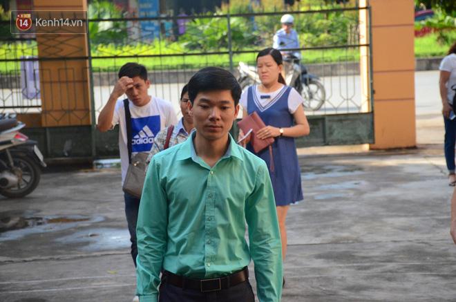 """Bác sĩ Hoàng Công Lương xúc động: """"Có người thân 9 nạn nhân đồng hành tôi tin công lý sẽ được thực thi"""" - Ảnh 1"""