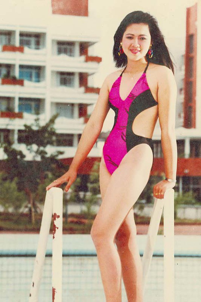 Á hậu Việt xinh đẹp từ bỏ showbiz, U50 vẫn theo đuổi nghề tiếp viên hàng không - Ảnh 1