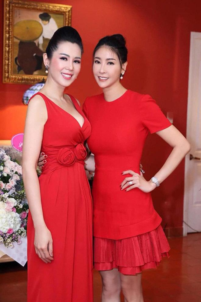 Á hậu Việt xinh đẹp từ bỏ showbiz, U50 vẫn theo đuổi nghề tiếp viên hàng không - Ảnh 2