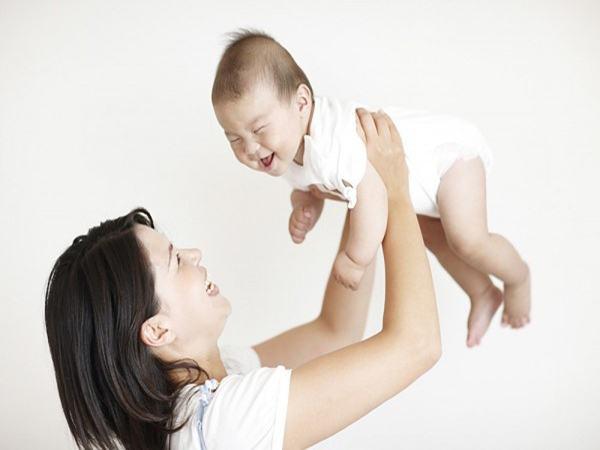 7 lỗi chăm sóc của mẹ khiến trẻ sơ sinh nguy hiểm tới tính mạng, số 5 nhà nào cũng mắc - Ảnh 1