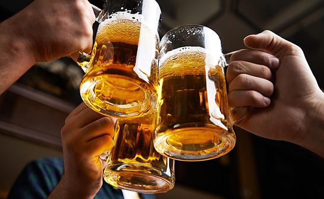 Những lầm tưởng phổ biến khi uống rượu bia - Ảnh 1