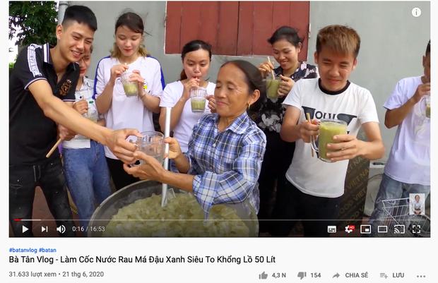 """Bà Tân tung video làm cốc rau má đậu xanh siêu to khổng lồ, nhưng thứ mà dân mạng chú ý nhất lại là một câu """"lỡ lời"""" của Hưng Vlog - Ảnh 1"""