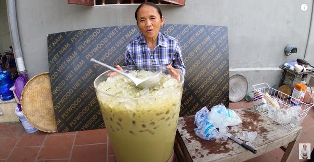 """Bà Tân tung video làm cốc rau má đậu xanh siêu to khổng lồ, nhưng thứ mà dân mạng chú ý nhất lại là một câu """"lỡ lời"""" của Hưng Vlog - Ảnh 9"""
